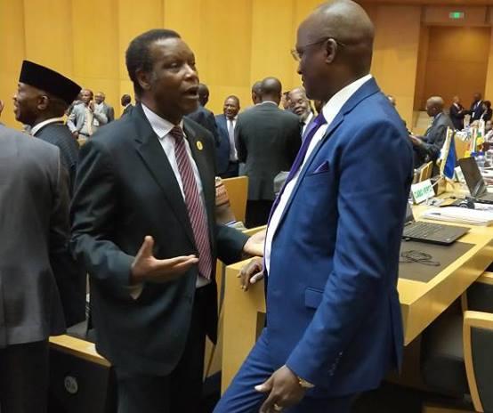 GEOPOLITIQUE,AFRIQUE,SECURITE: A Addis-Abeba, Son Excellence  Sindimwo Gaston, vice président du Burundi s'est salué avec l'ancien Dictateur Pierre Buyoya, soupçonné d'être impliqué dans le Coup d'Etat raté du 13/05/2015.