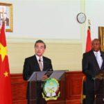 Le ministre chinois des AE rejette les allégations selon lesquelles les financements chinois alourdiraient la dette africaine