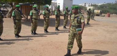 Visite du commandant du 10ème contingent au site de l'ancienne Académie Militaire
