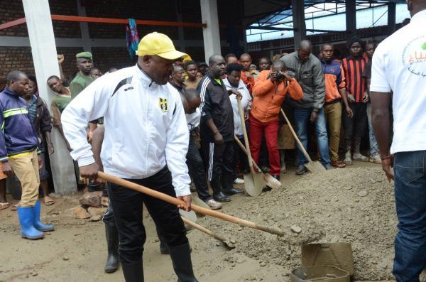 Ngozi: le Président de la République participe aux travaux de développement communautaires