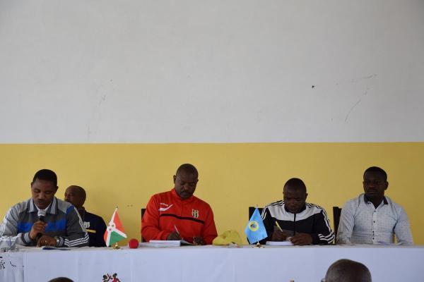 Le Président de la République exhorte les commerçants de Vyerwa à se regrouper en association