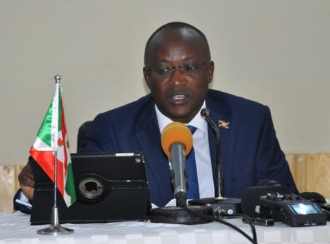Gaston Sindimwo : « Le dialogue inter-burundais n'est pas incompatible avec le processus référendaire »