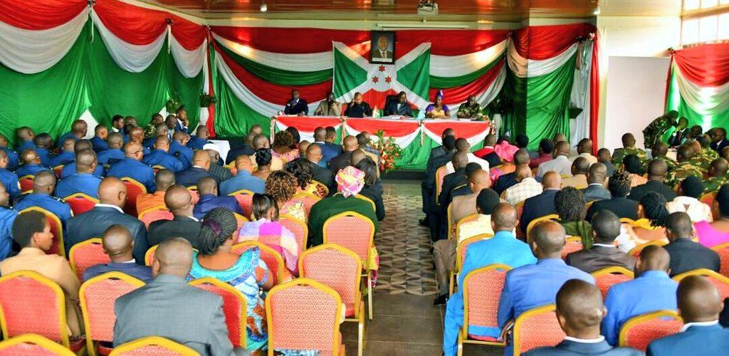 """Le Burundi décide de restaurer la """"valorisation des symboles de la Nation"""" dans les écoles"""