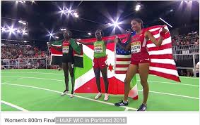 Le drapeau du Burundi hissé sur le toit du monde !  signé: Francine Niyonsaba.