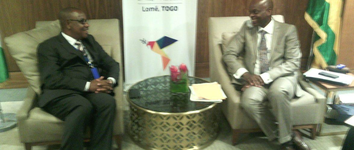 Le Ministre des Affaires étrangères du Burundi rencontre son Homologue du Togo à la 107ème session du Conseil des Ministres ACP à Lomé