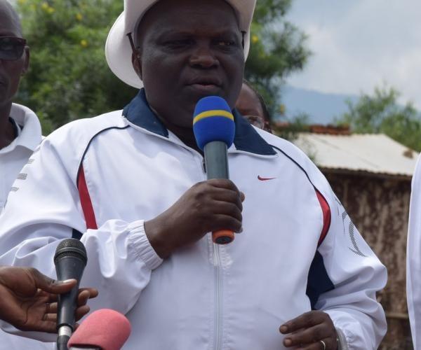 La nouvelle constitution entrera en vigueur le jour de sa promulgation (Pascal Nyabenda)