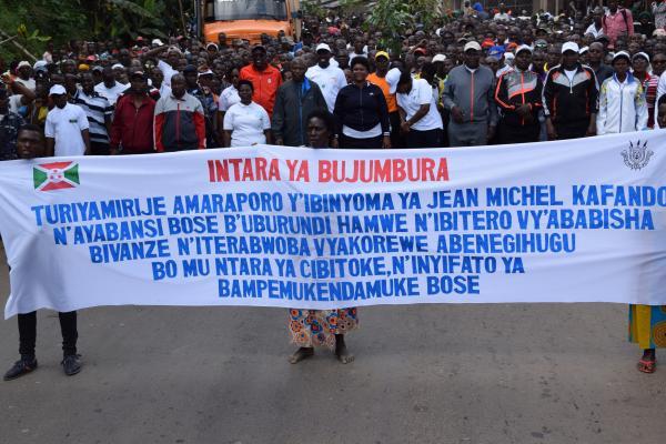 100.000 citoyens burundais de la société civile défilent contre Michel Kafando et la France