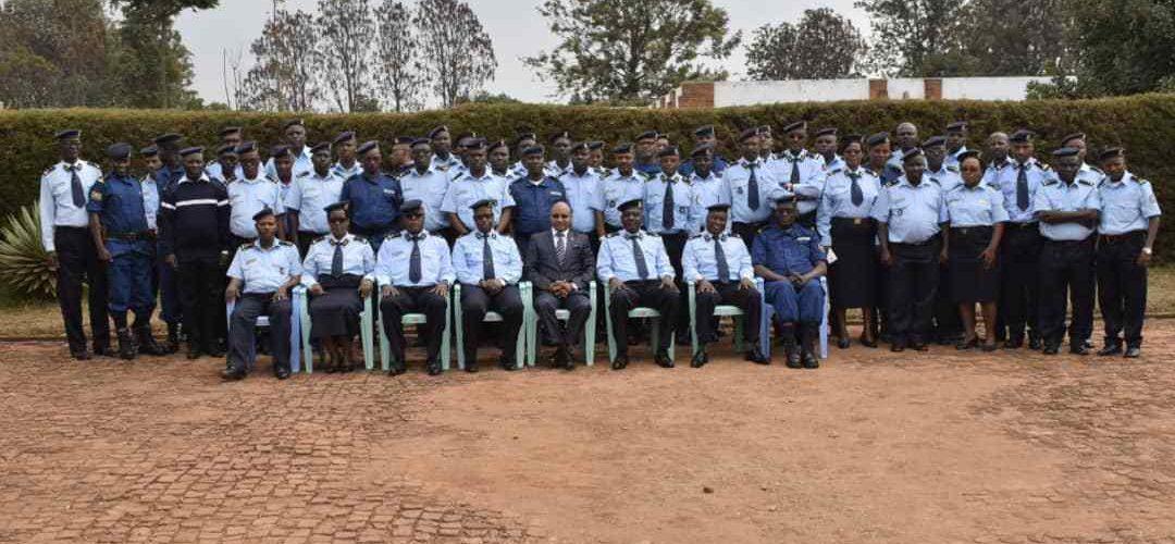 Formation de la police nationale sur les missions de maintien de la paix et la lutte contre le terrorisme dans le monde