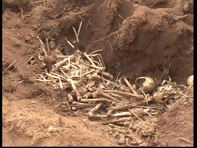 Faut-il enterrer en catimini les trucidés de 1972?! Faut-il enterrer les preuves du génocide?