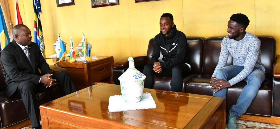 Burundi / Football :  Saido Berahino et  Gaël Bigirimana réçus au Palais Présidentiel