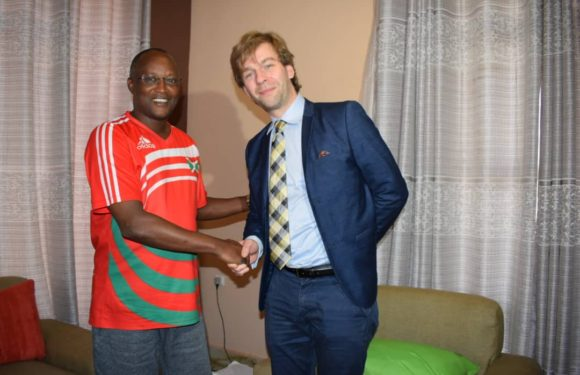 Le Vice Président reçoit le Consul honoraire de la République du Burundi à Québec au Canada
