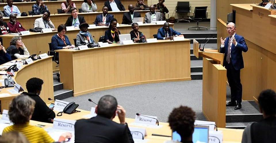 """Burundi : Rencontre des """"SINDUMUJA"""" au Parlement Bruxellois, à l'invitation du monde politique belge francophone"""