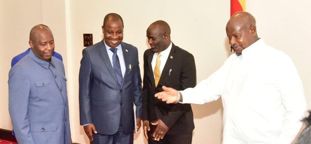 2 envoyés spéciaux du Président du Burundi chez  S.E KAGUTA MUSEVENI, Président de l'Ouganda.