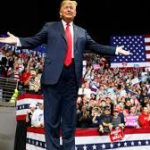 USA: Donald Trump face aux démocrates, main tendue et menaces