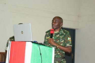 Des qualités d'un commandant-leader militaire