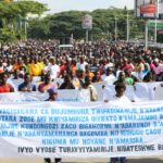 Burundi : Des milliers de Burundais marchent contre MUSEVENI