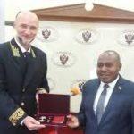 Décoration Nationale de la Fédération de Russie - « L'Ordre de l'Amitié » à Son Excellence Dr. Joseph Butore, deuxième Vice-Président de la République du Burundi