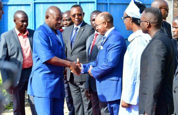 Le Chef de l'État anime une séance de moralisation en commune Muha