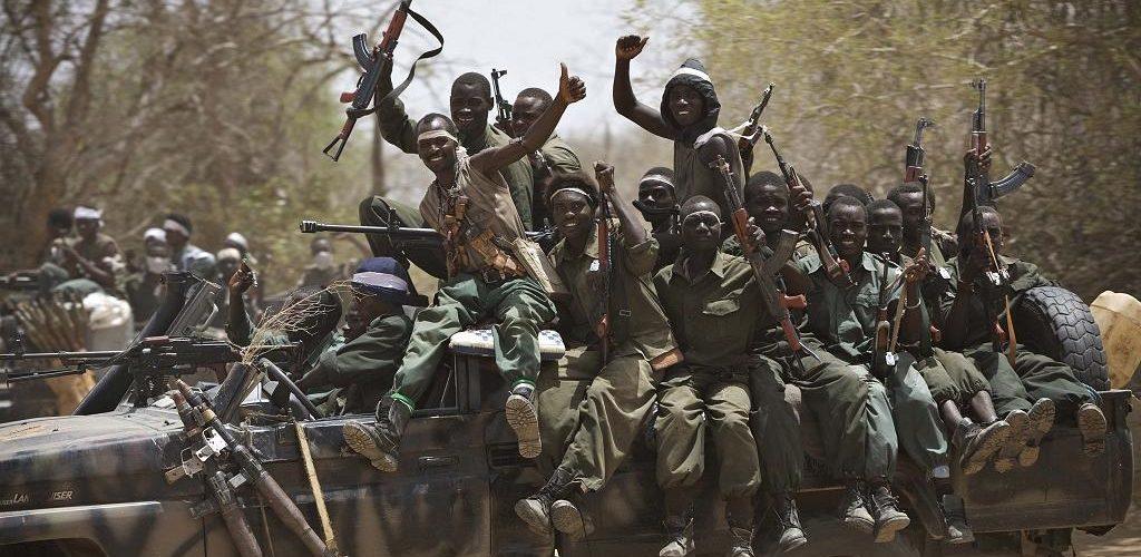 """Intervention militaire au Tchad : la France reconnaît avoir """"évité un coup d'Etat"""""""