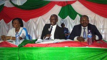 Le Président du Sénat visite les communes de Mukike et Nyabiraba
