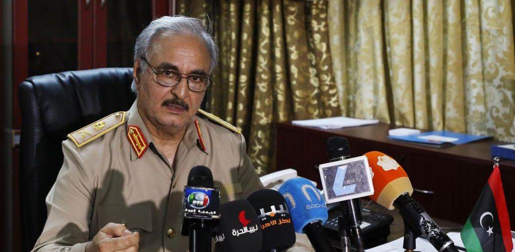 Les États-Unis auraient donné leur accord à Khalifa Haftar pour prendre Tripoli