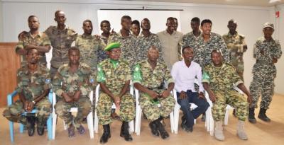 """20 officiers de l'armée somalienne formés en """"EHAT"""" par le contingent burundais"""