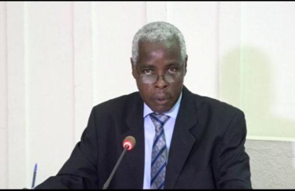 Le Président de la Cour des compte présente le rapport sur le budget général de l'Etat