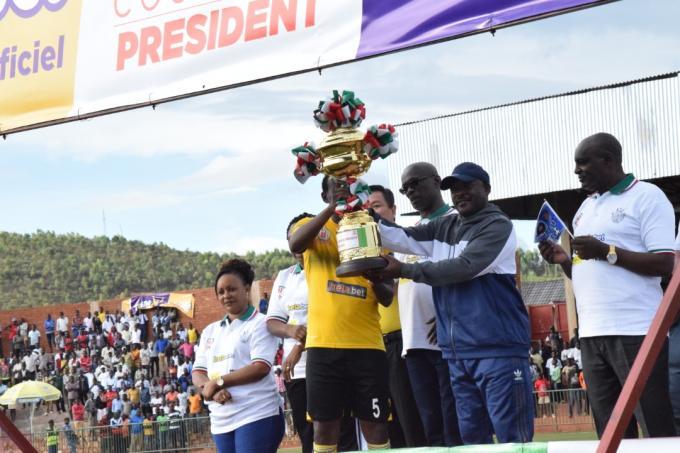 L'équipe Aigle Noir de Makamba remporte la coupe du Président