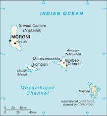 Macron et le président comorien toujours en «désaccord» sur Mayotte française