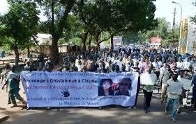 Journalistes de RFI assassinés au Mali: la version de l'armée contestée par une enquête de la radio