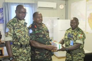 Visite du commandant du 5ème contingent burundais au secteur centre