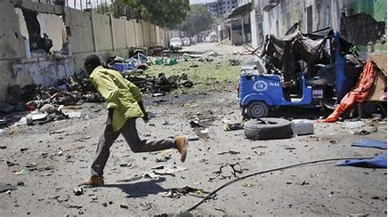 Somalie: au moins douze morts après une attaque des Chabab contre un hôtel de Kismaayo