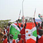 Burundi : 50.000 manifestants défilent avec les Tambourinaires du Burundi contre l'usurpation du - Tambour du Burundi - par le Rwanda