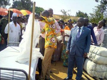 Kirundo: le ministère de la santé distribue des moustiquaires imprégnées