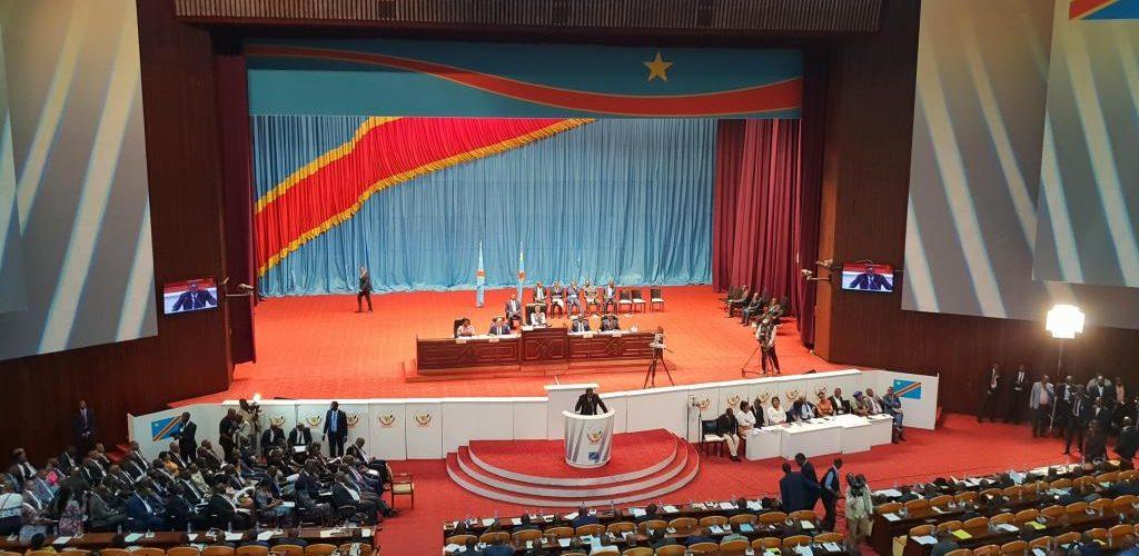 RDC: le gouvernement de coalition investi et le programme adopté