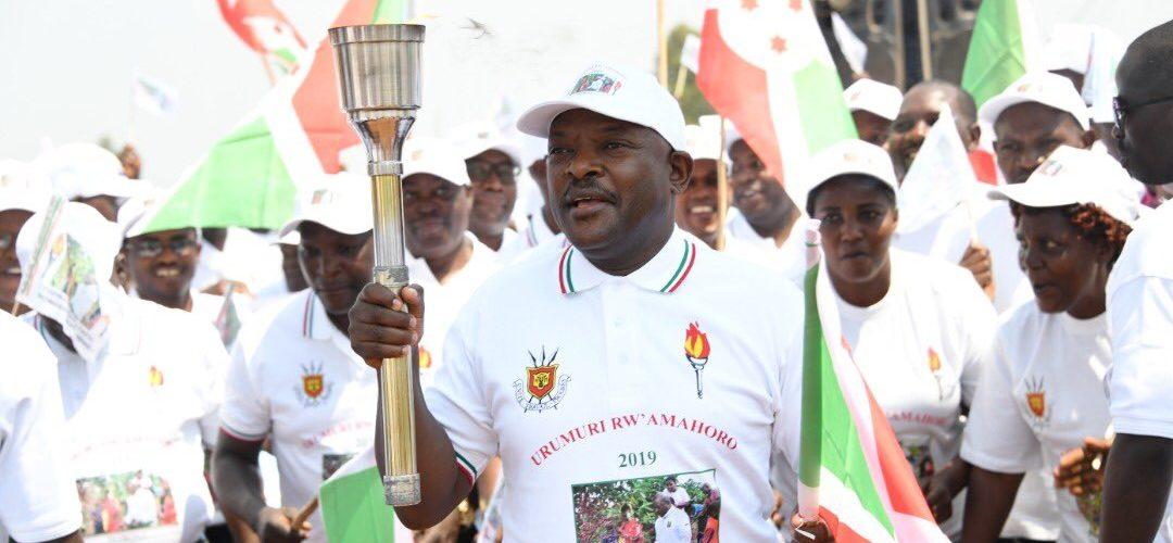 Burundi : Autour du Chef de l'Etat , des milliers de citoyens à Karusi  au lancement de la 13ème édition du Flambeau de la Paix