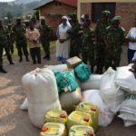 Les militaires de la 48ème bataillon de l'AMSOM posent un acte charitable