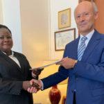 Présentation des copies figurées des lettres de créances de la nouvelle – Ambassadeur du Burundi – en Italie, l'ambassadrice NDAYIZEYE Espérance