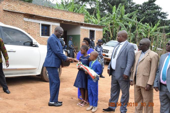Kirundo : Le Président du sénat clôture son périple dans toutes les commune du pays