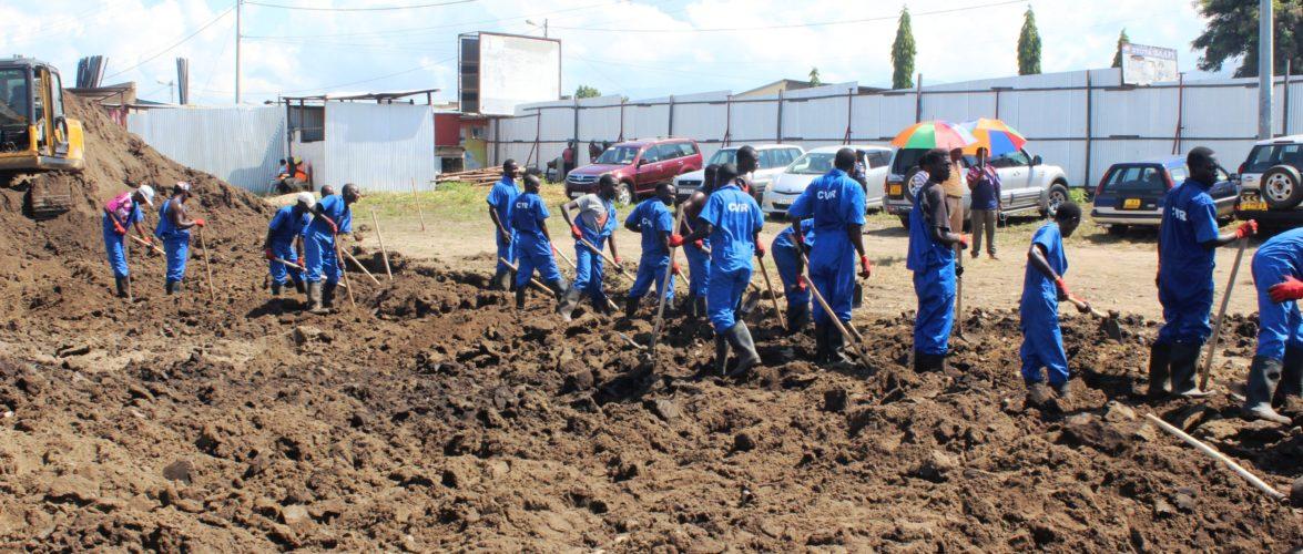 Le Génocide du Burundi : La CVR exhume des corps de fosses communes à Kamenge