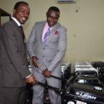 Le FNUAP accorde au ministère de la santé du matériel pour l'éducation des jeunes