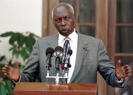 Kenya: mort de Daniel Arap Moi, autocrate kényan allergique au multipartisme