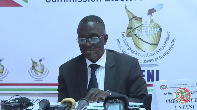 La CENI présente les résultats des candidatures aux législatives 2020.