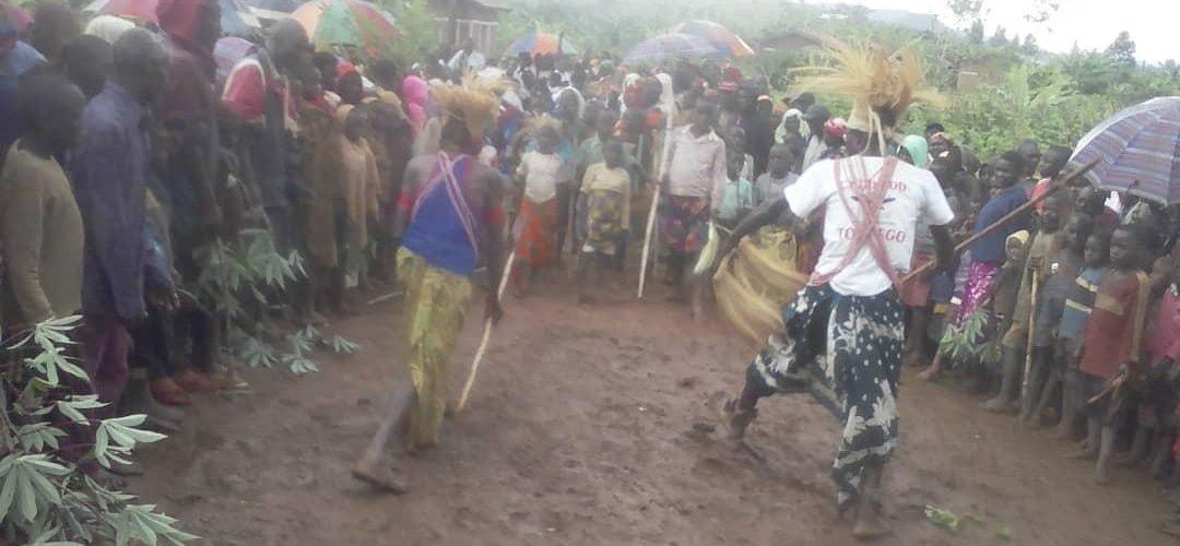 GITEGA :  Le CNDD-FDD collinaire GATOZA  en réunion –  GISHUBI / Burundi