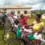 Les Femmes CNDD-FDD en commune MAKAMBA reçoivent des vélos / Burundi