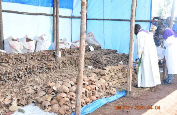 Le Génocide de 1972 au Burundi  : 2.653 restes humains excavés des fosses communes de GIHETA par la CVR /  GITEGA