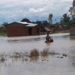 La RUZIZI en crue - Evacuation de quelques habitants de MUTIMBUZI, BUJUMBURA / Burundi