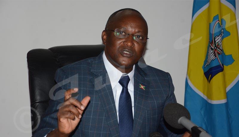 Gaston Sindimwo : « Nous devons tout faire pour que le président élu prête serment sans difficultés »