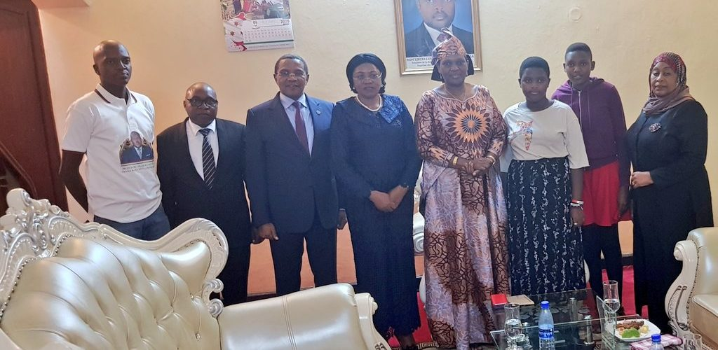 Amitié Burundi / Tanzanie : Visite qui donne chaud au coeur de S.E. KIKWETE à la veuve NKURUNZIZA