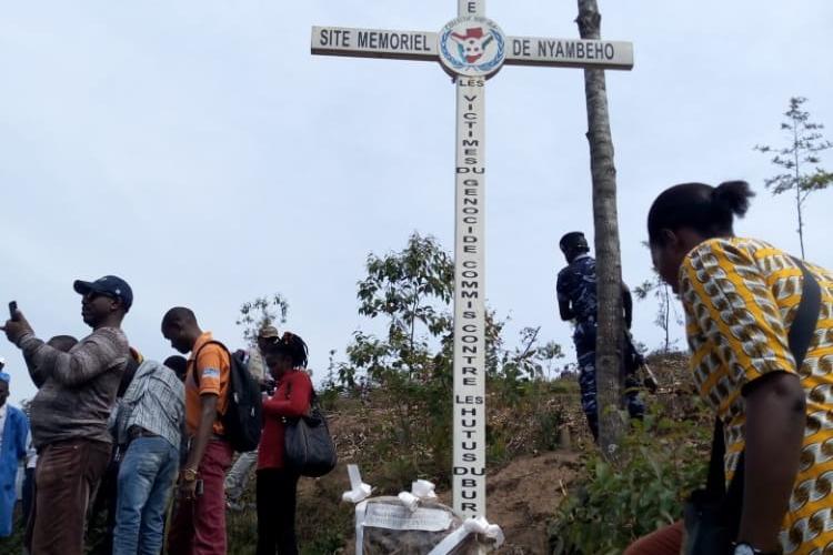 GENOCIDE : Visite organisée par la CVR au site NYAMBEHO, GITEGA / BURUNDI
